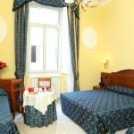 Caroline Suite, Rome