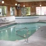 Budget Host Inn & Suites, Saint Ignace