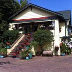 Hotel Pictures: Clair's Bed & Breakfast Inn Ladner Village, Delta