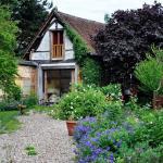 Hotel Pictures: Au Fond du Jardin Maison d'hôtes, Saint-Saëns