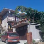 4 Sisters Apartments, Gradac