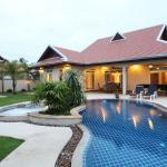The Chase & Foxlea Villas, Bang Lamung