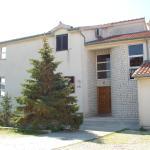 Apartments Lea,  Tribunj