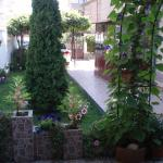 Hotel Pictures: Minchevi Guest House, Burgas City