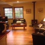 Фотографии отеля: Bessie's Mill Cottage, Брайт