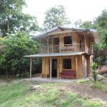 Hotel Pictures: Luna Azul Ecolodge, Agua Buena