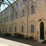 Hotel Pictures: Hostellerie de l'Abbaye de Frigolet, Tarascon