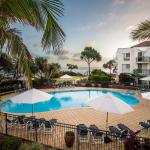 Golden Riviera Beach Resort, Gold Coast