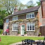 Hotel Pictures: Wisteria Cottage, Great Malvern