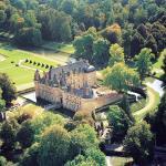 Hotel Pictures: Château d'Esclimont, Saint-Symphorien