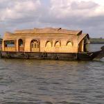 Kananavasan Holidays,  Kumarakom