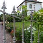 Hotel Pictures: Chambre d'hôtes Bed And Broc, La Rivière Saint Sauveur