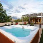 Feel Good Penthouse With Jacuzzi, Zadar