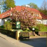 Hotel Pictures: Hotelpension Schwalbennest, Benz