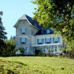 Hotel Pictures: Montchateau Chambres D' Hôtes, Merlas