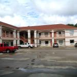 Hometowner Inn & Suites,  Shepherd