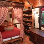 Hotel Pictures: Le gîte des Trois Vaches, Brionne