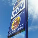 Hotel Pictures: Sidetrax Inn, Beaverlodge