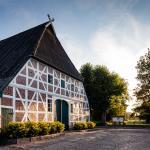 Hotel Pictures: LandHaus Zum LindenHof, Marxen