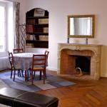 Apartment Living - Saint Dominique, Paris