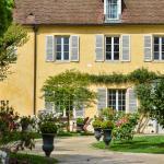 Hotel Pictures: Charmilles des Cordeliers, Noisy-le-Roi