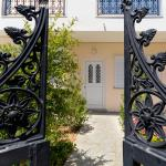 Golden Star Apartments, Makry Gialos