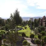 Hotel Pictures: Edificio en Parque Suecia, Quito
