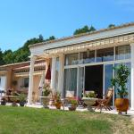 Hotel Pictures: Holiday Home Chemin du Plan, Entrechaux