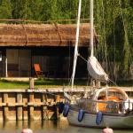 Hotel Pictures: Peterzens Boathouse, Laupunen