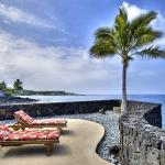 Ocean Front Single Family Home for 8, Kailua-Kona