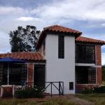 Hotel Pictures: Cabaña Campestre El Refugio, Paipa