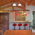 Hotel Pictures: Alpine Chalet, Landry