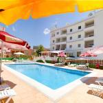 Hotel Pictures: Apartamentos Vista al Puerto, San Antonio Bay