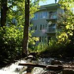 Hotel Pictures: Les Chalets Alpins - Chemin du Hameau, Stoneham