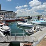 Hotel Pictures: Drake's Wharf, Plymouth
