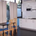Фотографии отеля: Westside Serviced Apartments, Laverton