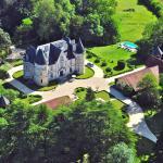 Hotel Pictures: Château de Lestaubiere, Douville