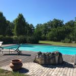 Hotel Pictures: Domaine de Terre Rouge, Lunegarde