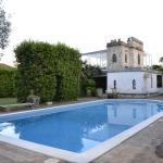 Villa Guelfi, Cascina
