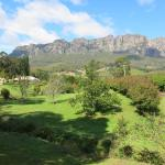 Foto Hotel: Mount Roland Country Lodge, Claude Road
