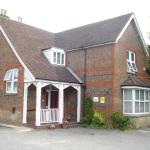 Hotel Pictures: Masslink Guest House, Horley