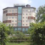 Hotel Golf View Noida,  Noida