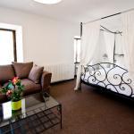 Hotel Pictures: Chambre d'Hotes Le Hupsa Pfannala, Saint-Hippolyte