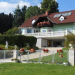 Hotellikuvia: Privatzimmer Haus Gschweitl, Semriach