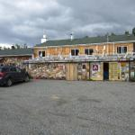 Hotel Pictures: Six Mile River Resort, Tagish