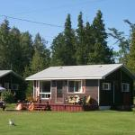 Hotel Pictures: Wee Point Resort, Manitowaning