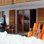 Hotel Pictures: Chalet Lucille, Leysin