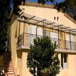 Hotel Pictures: Casa del Sol, Berre-des-Alpes