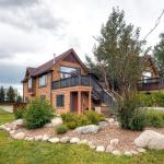 702 Pitkin Townhome by Colorado Rocky Mountain Resorts, Frisco