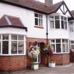 (4.3/5)   Applegarth Guest house  reviews